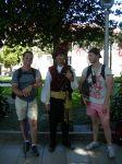 Paco y Borja junto a un gaiteiro